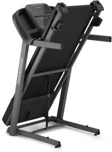 Die Klappfunktion beim Horizon Fitness Laufband eTR3.0 ist ideal zum Verräumen nach dem Training